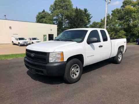 2011 Chevrolet Silverado 1500 for sale at DILLON LAKE MOTORS LLC in Zanesville OH