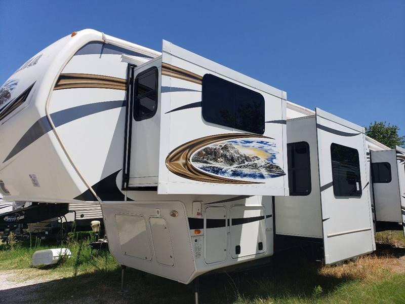 2013 Keystone Montana 3750fl In White Settlement Tx