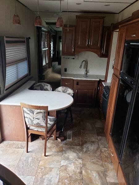 2014 Crossroads Rushmore RF39LN  - White Settlement TX