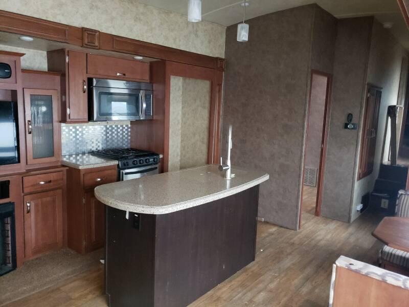 2016 Forest River Silverback 37MBH  - White Settlement TX