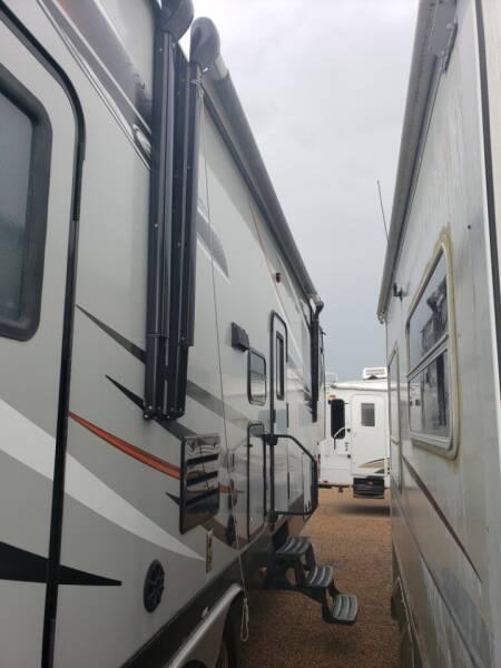2014 Redwood  Elevation 3410  - White Settlement TX