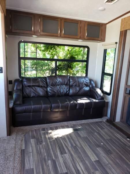 2017 Keystone Montana high country HM370BR  - White Settlement TX