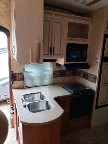 2011 Keystone Montana  high country 333DB   - White Settlement TX