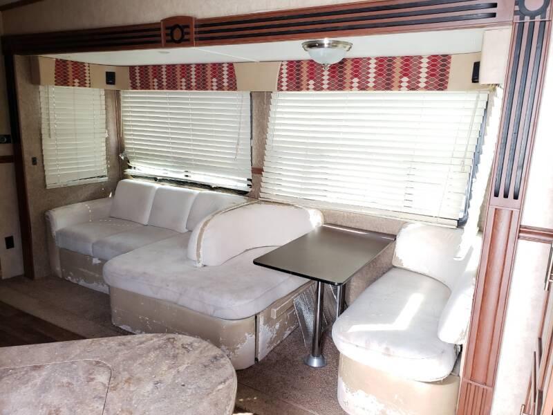 2013 Dutchmen komfort 3530FBH   - White Settlement TX
