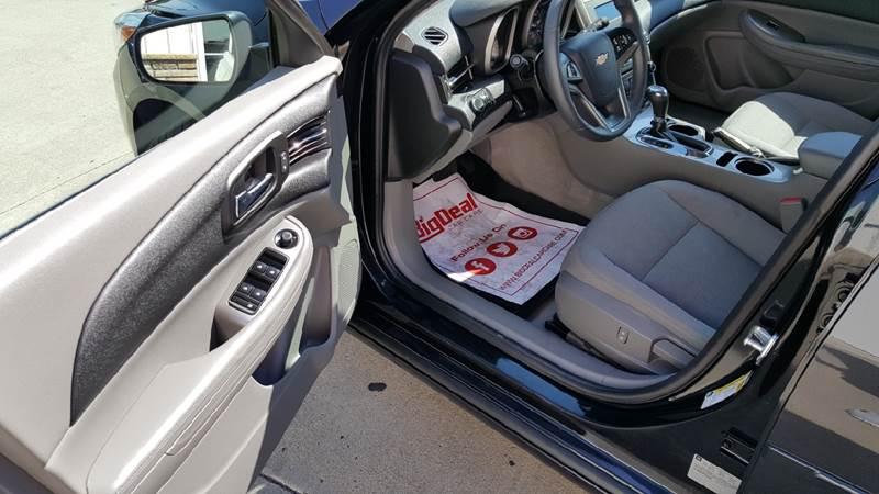 2015 Chevrolet Malibu for sale at AmericAuto in Des Moines IA