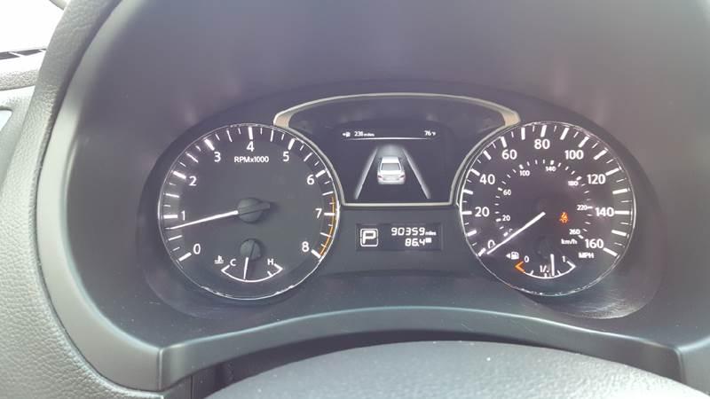 2013 Nissan Altima for sale at AmericAuto in Des Moines IA