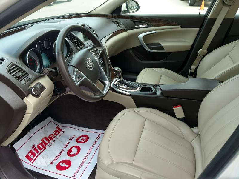 2012 Buick Regal for sale at AmericAuto in Des Moines IA