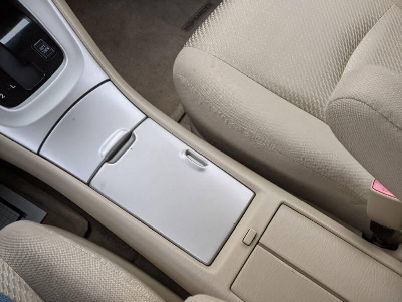 2005 Toyota Highlander AWD 4dr SUV V6 w/3rd Row - Des Moines IA