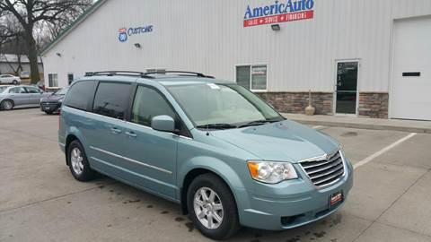 2010 Chrysler Town and Country for sale at AmericAuto in Des Moines IA