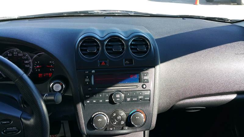 2012 Nissan Altima for sale at AmericAuto in Des Moines IA