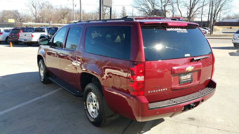 2009 Chevrolet Suburban for sale at AmericAuto in Des Moines IA