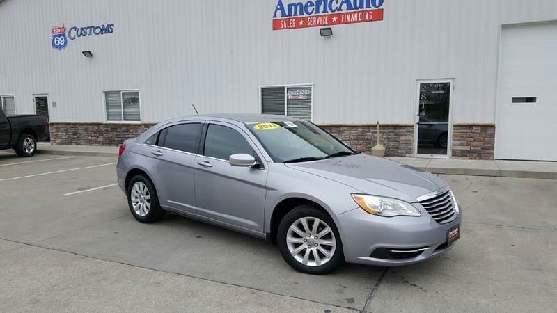 2013 Chrysler 200 for sale at AmericAuto in Des Moines IA