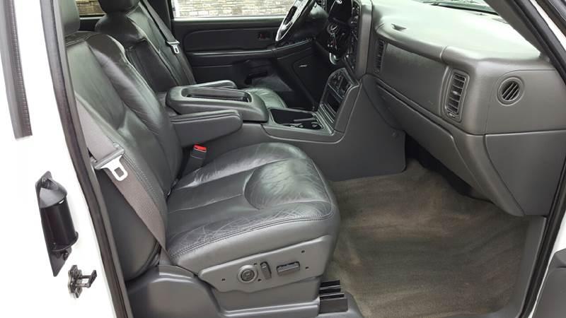 2004 Chevrolet Silverado 1500 for sale at AmericAuto in Des Moines IA