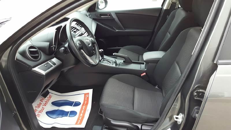 2012 Mazda MAZDA3 for sale at AmericAuto in Des Moines IA