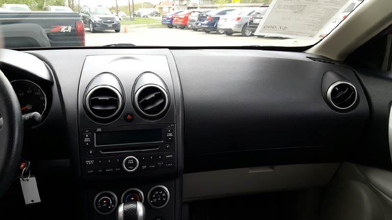 2008 Nissan Rogue for sale at AmericAuto in Des Moines IA