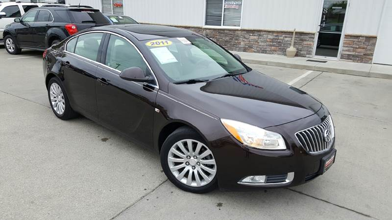 2011 Buick Regal for sale at AmericAuto in Des Moines IA