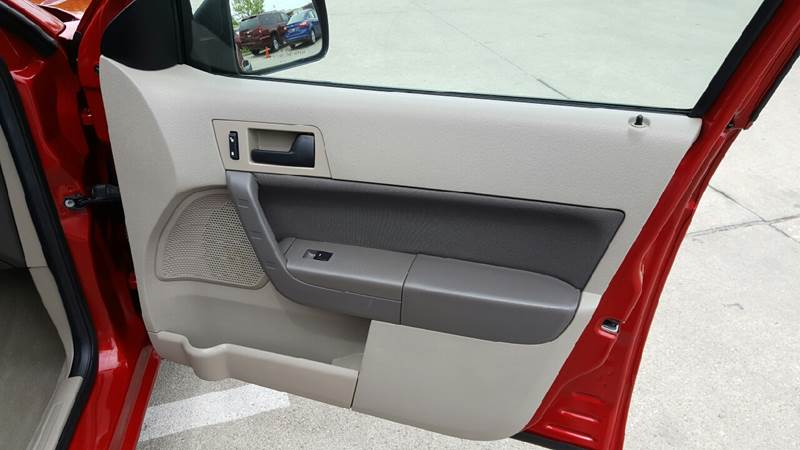 2010 Ford Focus for sale at AmericAuto in Des Moines IA