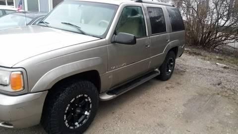 2000 Cadillac Escalade for sale in Bay City, MI