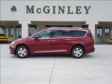 2017 Chrysler Pacifica for sale in Highland, IL
