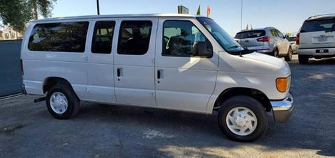 2004 Ford E-Series Wagon for sale in Bloomington, CA