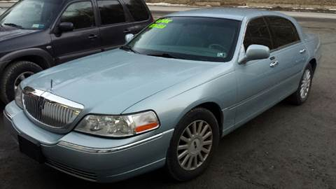 2005 Lincoln Town Car for sale in Woodridge, NY