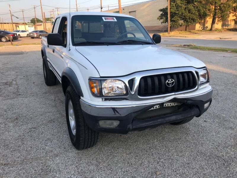 2001 Toyota Tacoma for sale at Dynasty Auto in Dallas TX