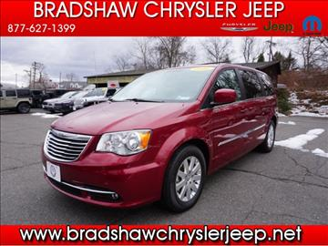 2016 Chrysler Town and Country for sale in Oakville, CT