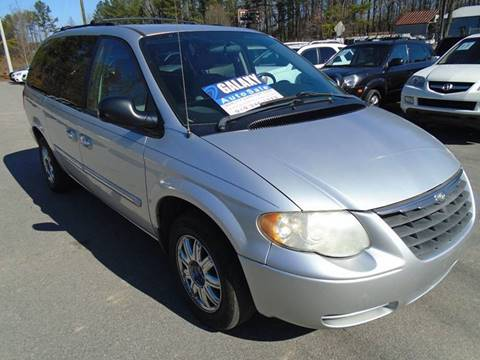 2007 Chrysler Town and Country for sale in Fuquay Varina, NC