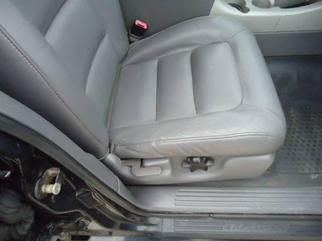2001 Ford Explorer Sport Trac (image 9)