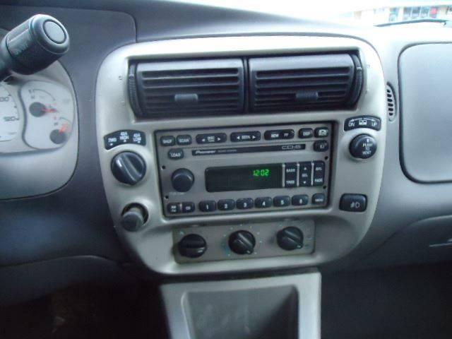 2001 Ford Explorer Sport Trac (image 17)