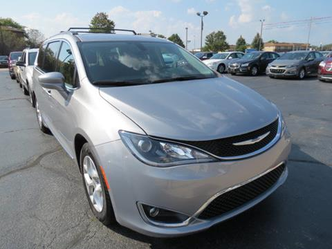 2017 Chrysler Pacifica for sale in Oregon, OH