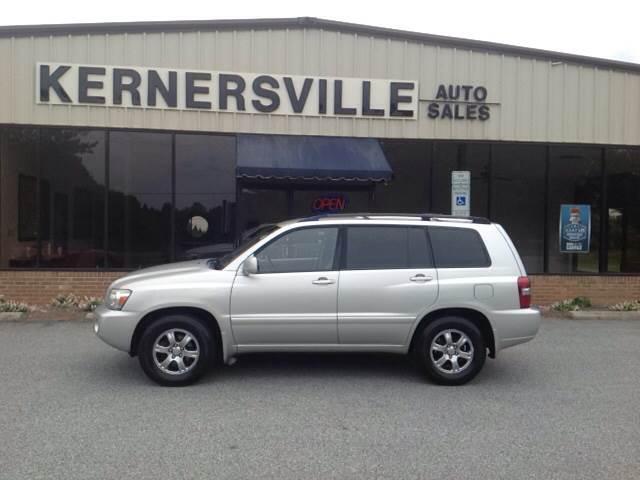 2005 Toyota Highlander for sale at KERNERSVILLE AUTO SALES in Kernersville NC