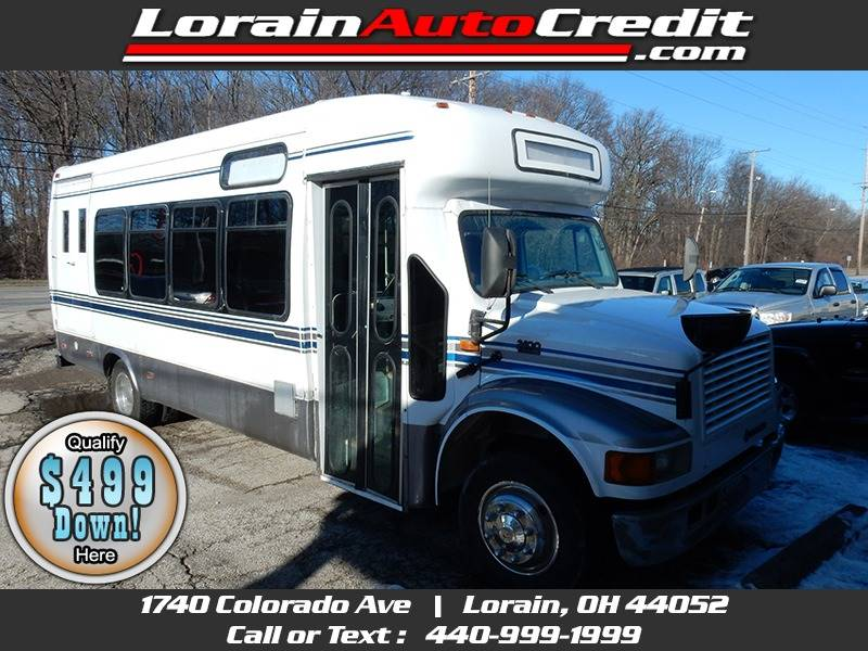 2001 International 27 Passenger Bus