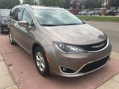 2017 Chrysler Pacifica for sale in Fremont, MI