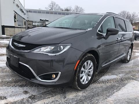 2017 Chrysler Pacifica for sale in Fremont MI