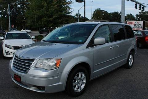 2010 Chrysler Town and Country for sale in Virginia Beach, VA