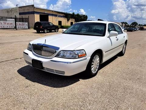2003 Lincoln Town Car for sale at Image Auto Sales in Dallas TX