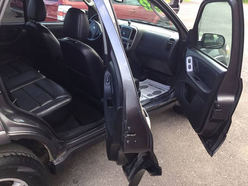 2005 Ford Escape for sale at eAutoDiscount in Buffalo NY