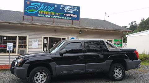 2005 Chevrolet Avalanche for sale at RJ SHORE AUTOMOTIVE, LLC II in North Branford CT