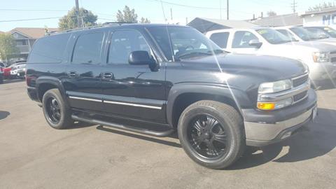 2000 Chevrolet Suburban for sale in Bakersfield, CA