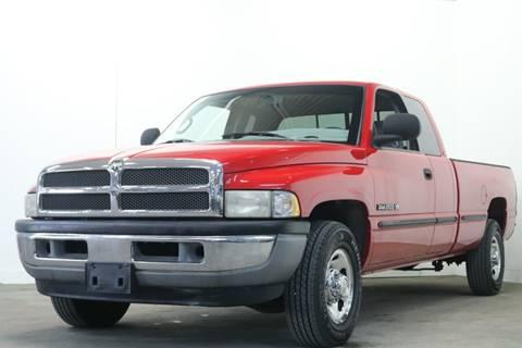 1999 Dodge Ram Pickup 2500 for sale at Clawson Auto Sales in Clawson MI