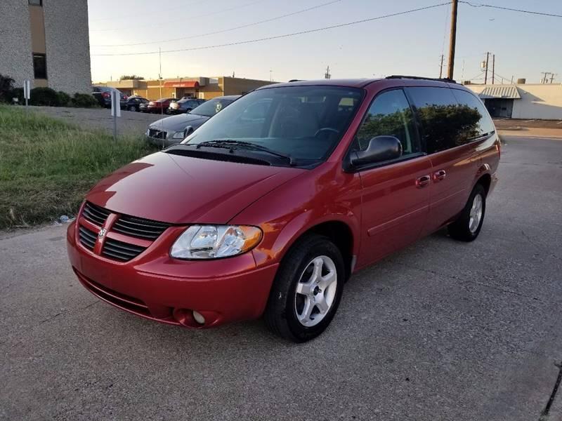 2005 Dodge Grand Caravan for sale at DFW Autohaus in Dallas TX