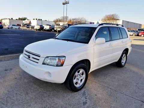 2004 Toyota Highlander for sale at DFW Autohaus in Dallas TX