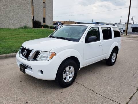 2011 Nissan Pathfinder for sale at DFW Autohaus in Dallas TX