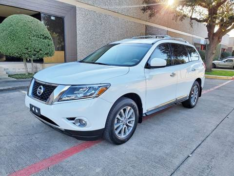 2013 Nissan Pathfinder for sale at DFW Autohaus in Dallas TX