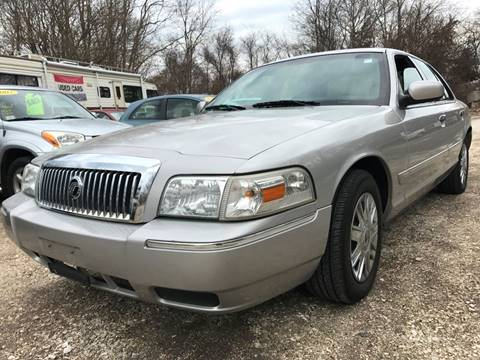 2006 Mercury Grand Marquis for sale at RIVERSIDE AUTO SALES AND SERVICE in Acushnet MA