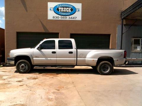 2004 Chevrolet Silverado 3500 for sale in Pleasanton, TX