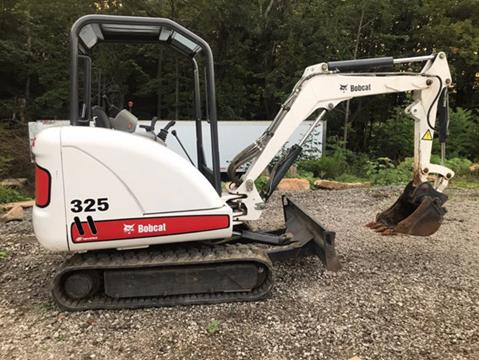 2004 Bobcat 325 Compact Excavator for sale in Johnstown, PA