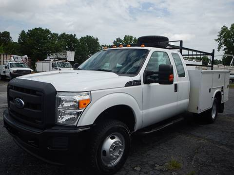 2013 Ford F350XL 4X4 SUPER CAB 9'UTILITY for sale in Marietta, GA