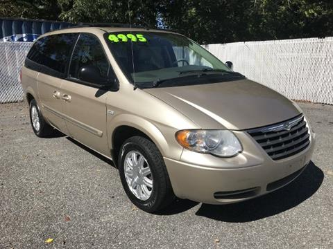 2006 Chrysler Town and Country for sale in Millville, NJ